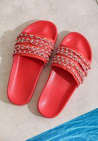 Czerwone klapki Renee
