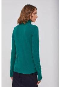 United Colors of Benetton - Sweter wełniany. Okazja: na co dzień. Typ kołnierza: golf. Kolor: zielony. Materiał: wełna. Styl: casual