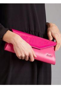Różowa kopertówka ROVICKY na ramię, w kolorowe wzory, wizytowa