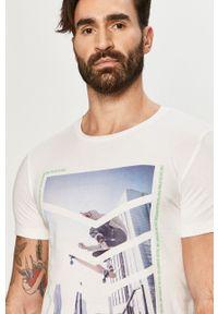 Biały t-shirt Tom Tailor casualowy, na co dzień, z nadrukiem