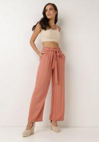 Born2be - Łososiowe Spodnie Szerokie Pheriko. Kolor: różowy. Materiał: tkanina, wiskoza, materiał, guma. Długość: długie. Sezon: lato