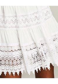 CHARO RUIZ IBIZA - Biała sukienka z koronki Joya. Kolor: biały. Materiał: koronka. Długość rękawa: na ramiączkach. Wzór: koronka