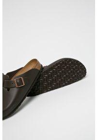 Birkenstock - Klapki Boston. Kolor: brązowy. Materiał: skóra, materiał. Wzór: gładki. Obcas: na obcasie. Wysokość obcasa: niski