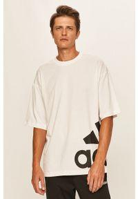 Biały t-shirt adidas Performance casualowy, z nadrukiem, na co dzień