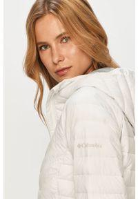 Biała kurtka columbia na co dzień, casualowa, z kapturem
