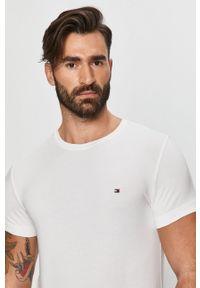 Biały t-shirt TOMMY HILFIGER z okrągłym kołnierzem, na co dzień