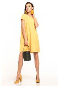 Tessita - Żółta Sukienka o Luźnym Kroju z Kontrafałdą. Kolor: żółty. Materiał: poliester, elastan