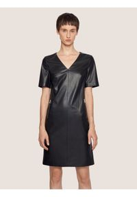 Czarna sukienka BOSS