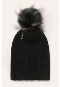 Czarna czapka Patrizia Pepe