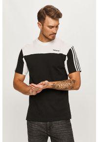 Czarny t-shirt adidas Originals z aplikacjami, na co dzień, casualowy, z okrągłym kołnierzem