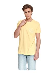 TOP SECRET - T-shirt z nadrukiem. Kolor: żółty. Materiał: bawełna, tkanina. Długość rękawa: krótki rękaw. Długość: krótkie. Wzór: nadruk. Sezon: lato. Styl: wakacyjny