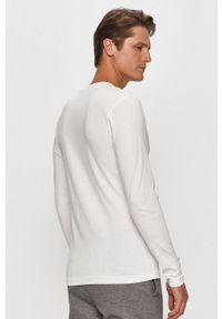 Calvin Klein Jeans - Longsleeve. Okazja: na co dzień. Kolor: biały. Długość rękawa: długi rękaw. Wzór: nadruk. Styl: casual