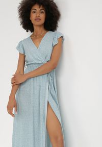 Born2be - Miętowa Sukienka Jophiel. Kolor: miętowy. Materiał: materiał. Wzór: kwiaty, nadruk. Typ sukienki: kopertowe. Długość: maxi