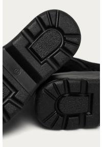 Czarne botki Answear Lab na obcasie, na sznurówki, wakacyjne, z cholewką