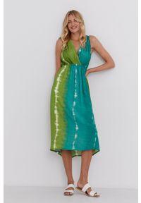 Answear Lab - Sukienka. Kolor: zielony. Materiał: tkanina. Typ sukienki: rozkloszowane. Styl: wakacyjny