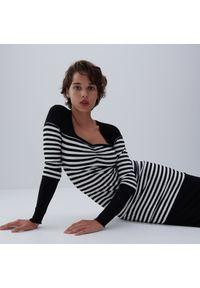 Reserved - Sukienka z prążkowanej dzianiny - Czarny. Kolor: czarny. Materiał: dzianina, prążkowany