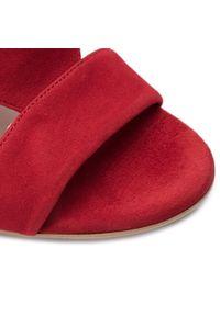 Czerwone sandały Lasocki na obcasie, na średnim obcasie