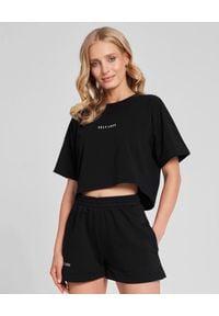 SELF LOVE - Czarny t-shirt New York. Kolor: czarny. Materiał: dresówka, bawełna, jeans. Wzór: nadruk, aplikacja. Styl: elegancki