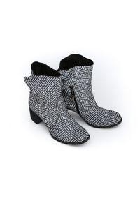 Szare botki Zapato z cholewką za kostkę, na wiosnę