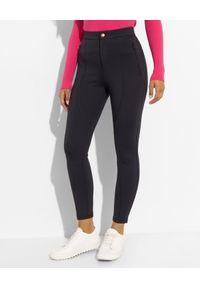 Ermanno Firenze - ERMANNO FIRENZE - Czarne spodnie z technicznego materiału. Stan: podwyższony. Kolor: czarny. Materiał: materiał