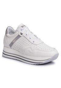 Nessi - Sneakersy NESSI - 20683 Biały/Szary. Okazja: na spacer. Kolor: biały. Materiał: lakier, skóra. Sezon: lato. Obcas: na koturnie. Wysokość obcasa: średni