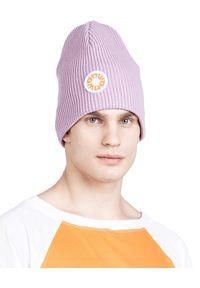 ROBERT KUPISZ - Fioletowa wełniana czapka NOW BEANIE. Kolor: fioletowy, różowy, wielokolorowy. Materiał: wełna. Wzór: aplikacja. Sezon: zima. Styl: sportowy