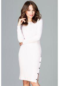 Lenitif - Dzianinowa dopasowana sukienka tuba różowa. Okazja: na co dzień, do pracy. Kolor: różowy. Materiał: dzianina. Wzór: prążki. Typ sukienki: dopasowane. Styl: casual