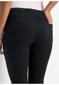 Czarne jeansy bonprix długie