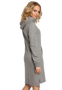 MOE - Sukienka z kapturem i kieszenią typu kangurek. Typ kołnierza: kaptur. Materiał: elastan, bawełna, materiał. Długość rękawa: długi rękaw. Typ sukienki: proste, dopasowane, sportowe. Styl: sportowy