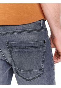 Szare spodnie TOP SECRET w kolorowe wzory, klasyczne, na jesień