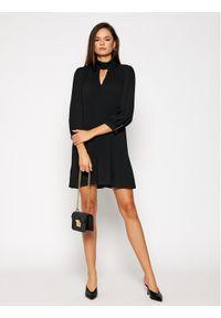 iBlues Sukienka koktajlowa Corte 72260507 Czarny Regular Fit. Kolor: czarny. Styl: wizytowy #3