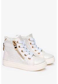 Casu - Białe sneakersy casu błyszczące z ozdobnym zamkiem dd403. Zapięcie: zamek. Kolor: biały
