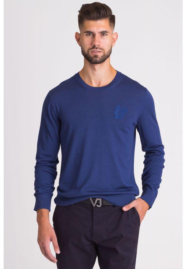 Niebieski sweter Versace Collection z haftami, z klasycznym kołnierzykiem