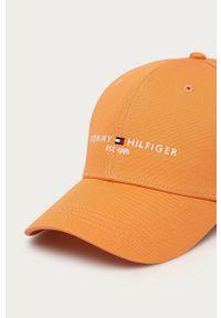 Pomarańczowa czapka z daszkiem TOMMY HILFIGER z nadrukiem