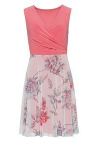 Różowa sukienka bonprix z nadrukiem, kopertowa, na lato