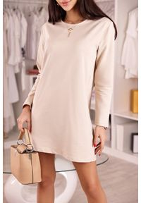 Beżowa sukienka mini IVET casualowa, prosta, na co dzień