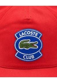 Lacoste - LACOSTE - Czerwona czapka z daszkiem z naszywką. Kolor: czerwony. Materiał: bawełna. Wzór: aplikacja