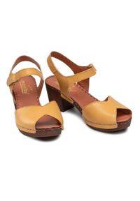 Żółte sandały Manitu