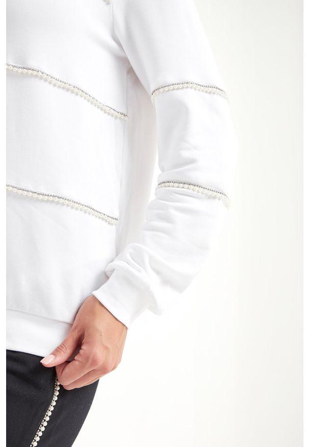 Biała bluza Liu Jo Sport w kolorowe wzory, na co dzień