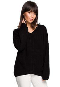 Czarny sweter asymetryczny MOE z asymetrycznym kołnierzem