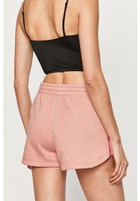 Różowe szorty Nike Sportswear na co dzień, sportowe