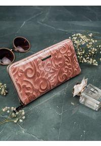 LORENTI - Portfel damski Lorenti różowy 76119-JXW RFID SALMO. Kolor: różowy. Materiał: skóra