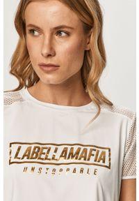 Biała bluzka LABELLAMAFIA casualowa, z nadrukiem, na co dzień