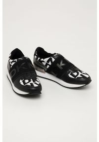 Czarne buty sportowe DKNY na obcasie, z cholewką
