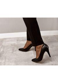 Czarne czółenka Zapato do domu, na lato, wąskie, w kolorowe wzory