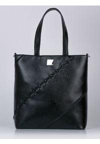 Czarna torebka Monnari z aplikacjami, zamszowa, elegancka