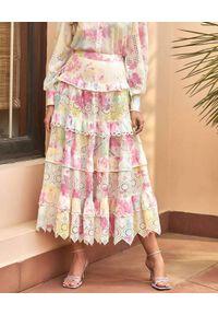 HEMANT & NANDITA - Pastelowa spódnica maxi tie-dye. Stan: podwyższony. Kolor: różowy, fioletowy, wielokolorowy. Materiał: materiał, koronka. Sezon: wiosna, lato
