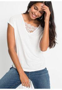 Biała bluzka bonprix w koronkowe wzory