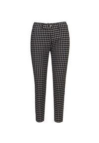 Spodnie Chervo z haftami, retro, krótkie