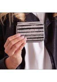 Czarny portfel FOREVER YOUNG z motywem zwierzęcym